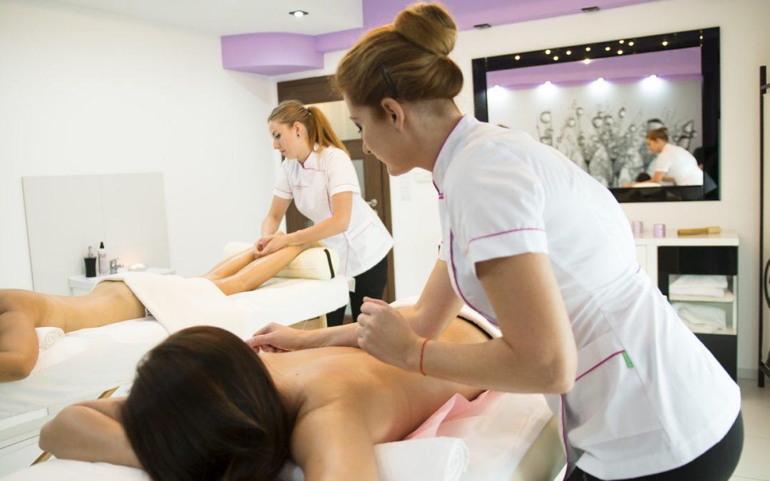 Stimulez votre sexualité avec un massage érotique couple à la bougie !